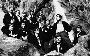 1970, il coro alle Cascate Nardis